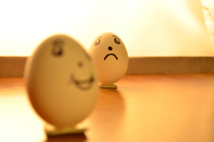 Eggs_Expressions_Happy_Sad